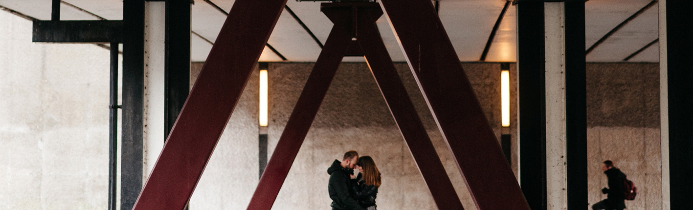 feature-chloe-lapeyssonnie-engagement-couple-amsterdam-winter_0006