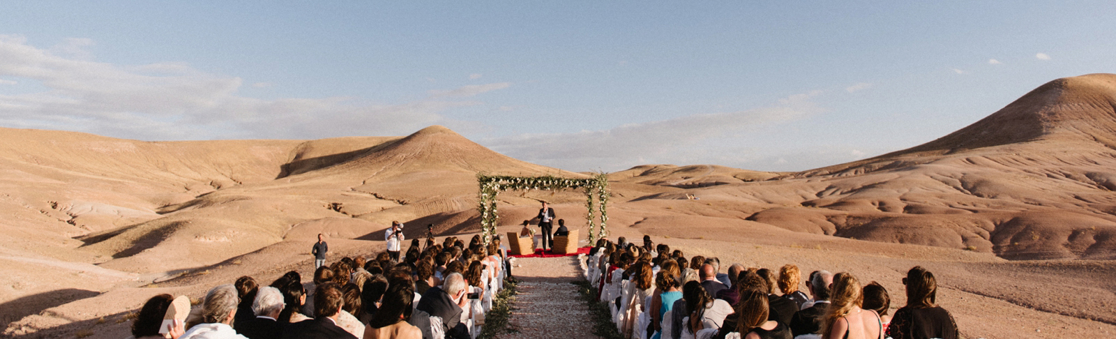 feature-chloe-lapeyssonnie-cool-modern-hipster-wedding-desert-morocco-marrakech-lapause_0011